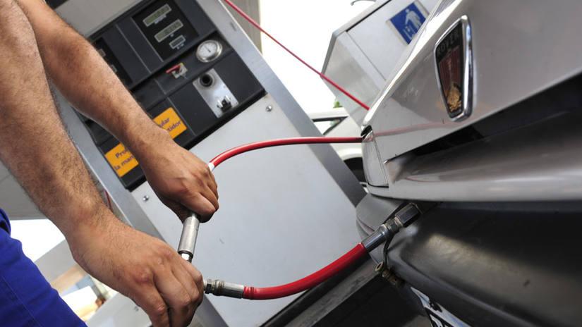 Nación aumentaría  el precio del GNC hasta el nivel de las naftas